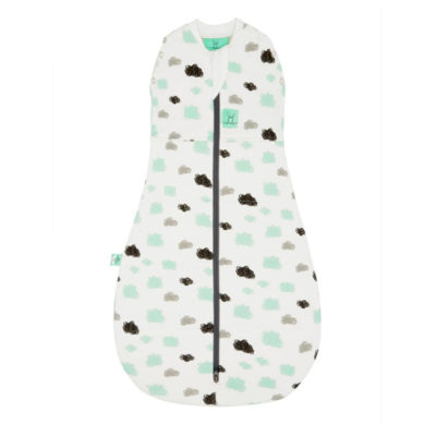 ergococoon-25-tog-swaddle-sleep-bag-clouds - de Luierhoek