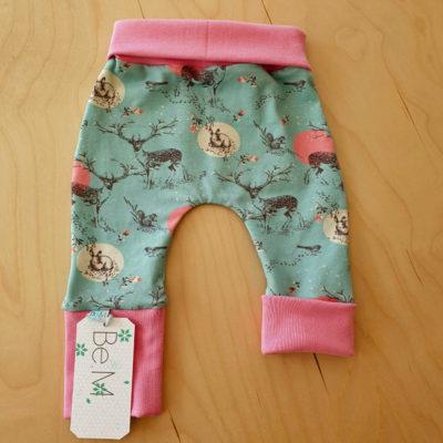BeM newborn broekje Blue Forest Pink - De Luierhoek